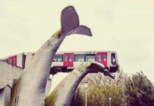 поезд на хвосте кита
